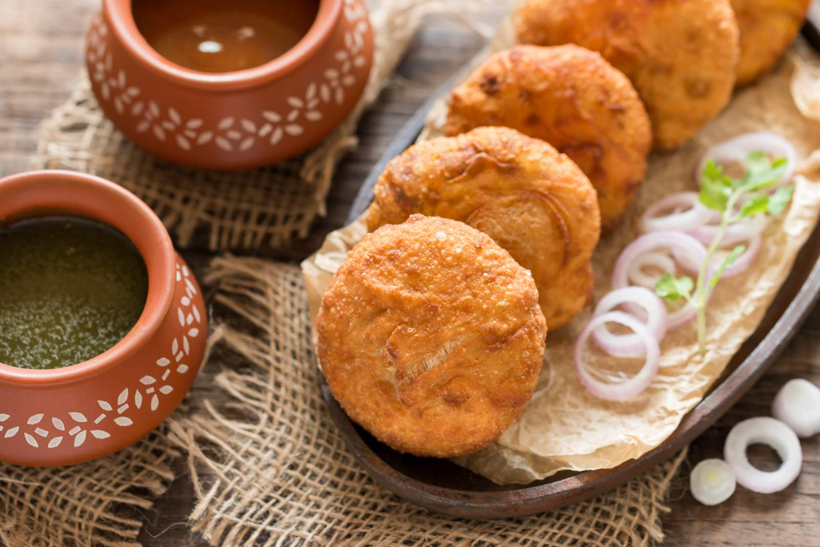 Must-Try Food Dishes in Mount Abu|Pyaz ki Kachori