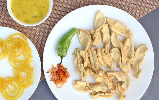 best pLaces in Ahmedabad for Gujarati nashta| Iscon gathiya